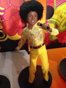 माइकल जैक्सन, maikal jaksan dance video download hd, michael jackson biography dance jodi dance jeevan, michael jackson date of birth, maikal jaksan dance hd video download,